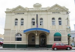 The London Hotel - Tourism Caloundra