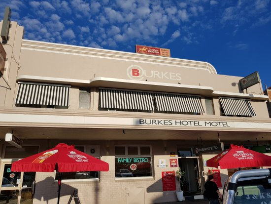 Burkes Bistro and Bar - Tourism Caloundra