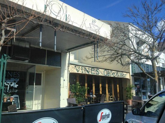 Vines Cafe  Bar - Tourism Caloundra