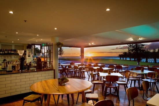Penny Whistlers Cafe - Tourism Caloundra