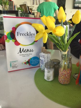 Freckles Cafe - Tourism Caloundra