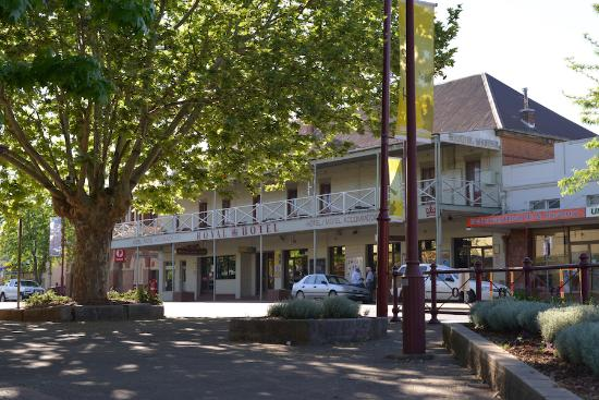 Royal Hotel Restaurant - Tourism Caloundra