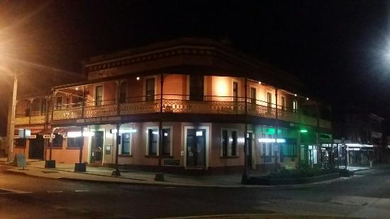 The Great Central Hotel - Tourism Caloundra