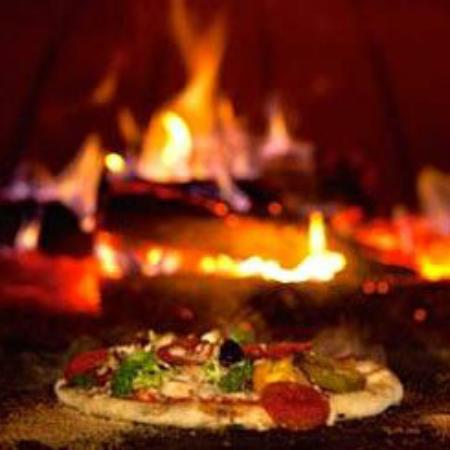 Jens Woodfired Pizzas - Tourism Caloundra
