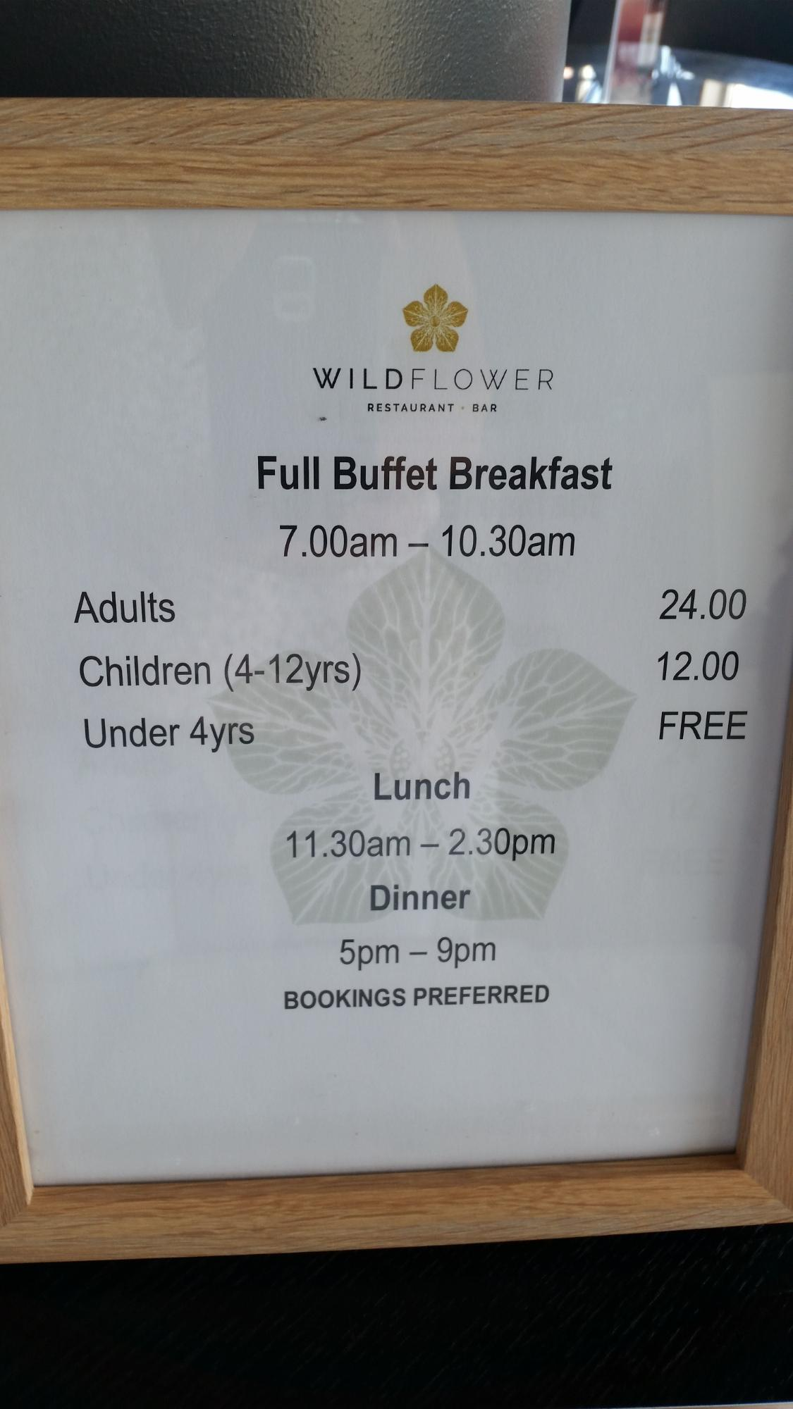Wildflower Restaurant and Bar at Best Western Plus Lake Kawana