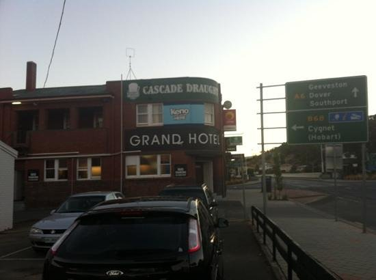 Grand Hotel - Tourism Caloundra