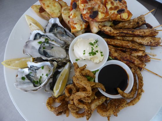 The Railway Tavern - Tourism Caloundra