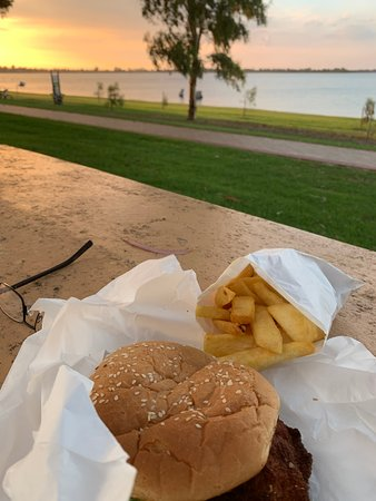 Barmera Chicken and Seafood - Tourism Caloundra