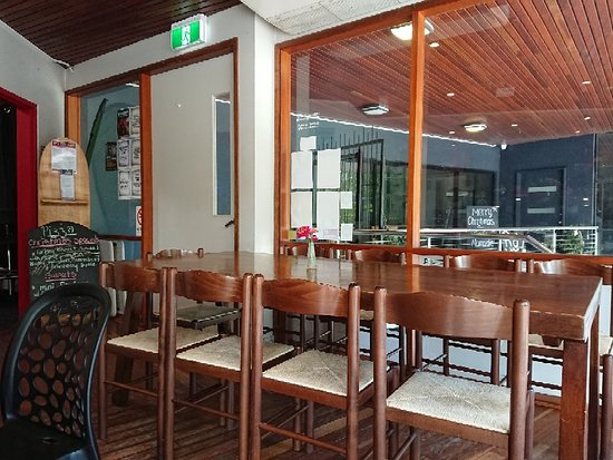 Finbar's Lounge Bar - Tourism Caloundra