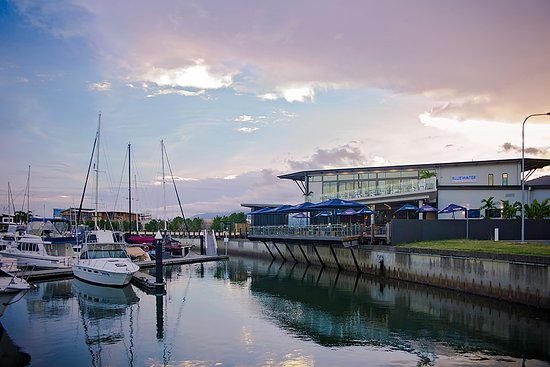 Bluewater Bar And Grill - Tourism Caloundra