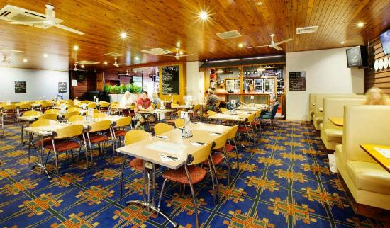 Coutts Commercial Tavern - Tourism Caloundra