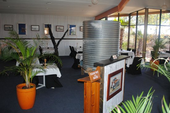 Oasis Restaurant and Bar - Tourism Caloundra