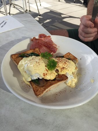 The Coffee Club Yeppoon Esplanade - Tourism Caloundra