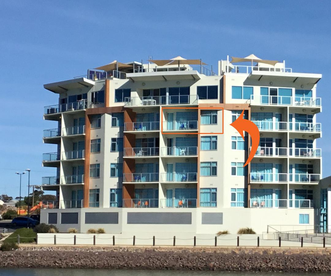 Wallaroo Marina Waterfront Luxe Apartment - Tourism Caloundra