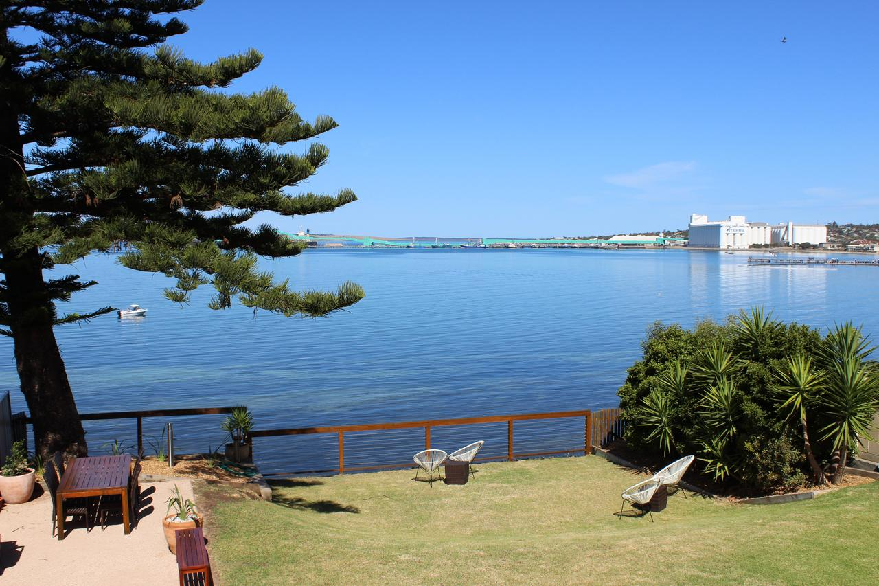 Bay 10 - Suites and Apartments - Tourism Caloundra