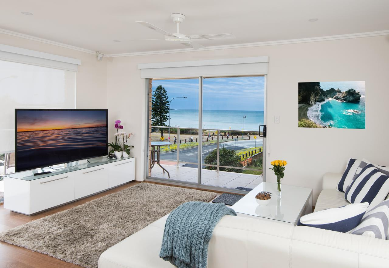 Stylish 3 Bedroom Beachview Apartment - Tourism Caloundra