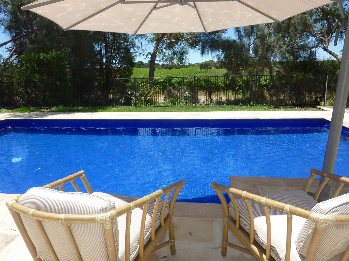 Amande Bed and Breakfast - Tourism Caloundra