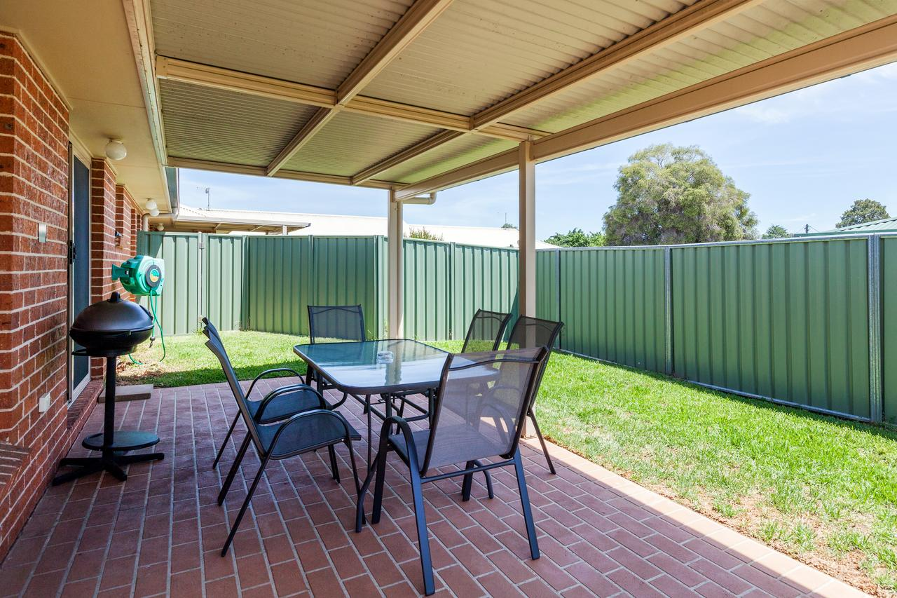 Colonial Court Villas - Tourism Caloundra