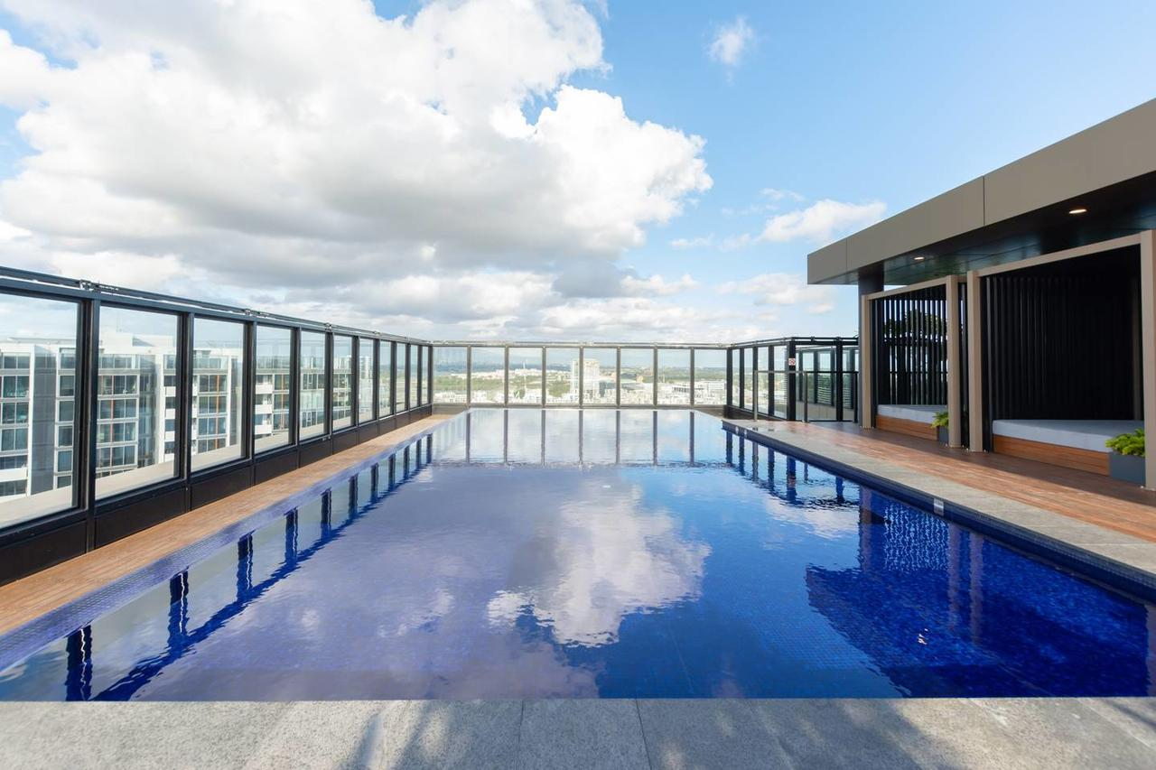 Japanese Style waterfront apt wt rooftop pool - Tourism Caloundra