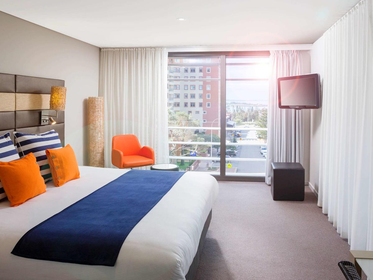 Novotel Newcastle Beach - Tourism Caloundra