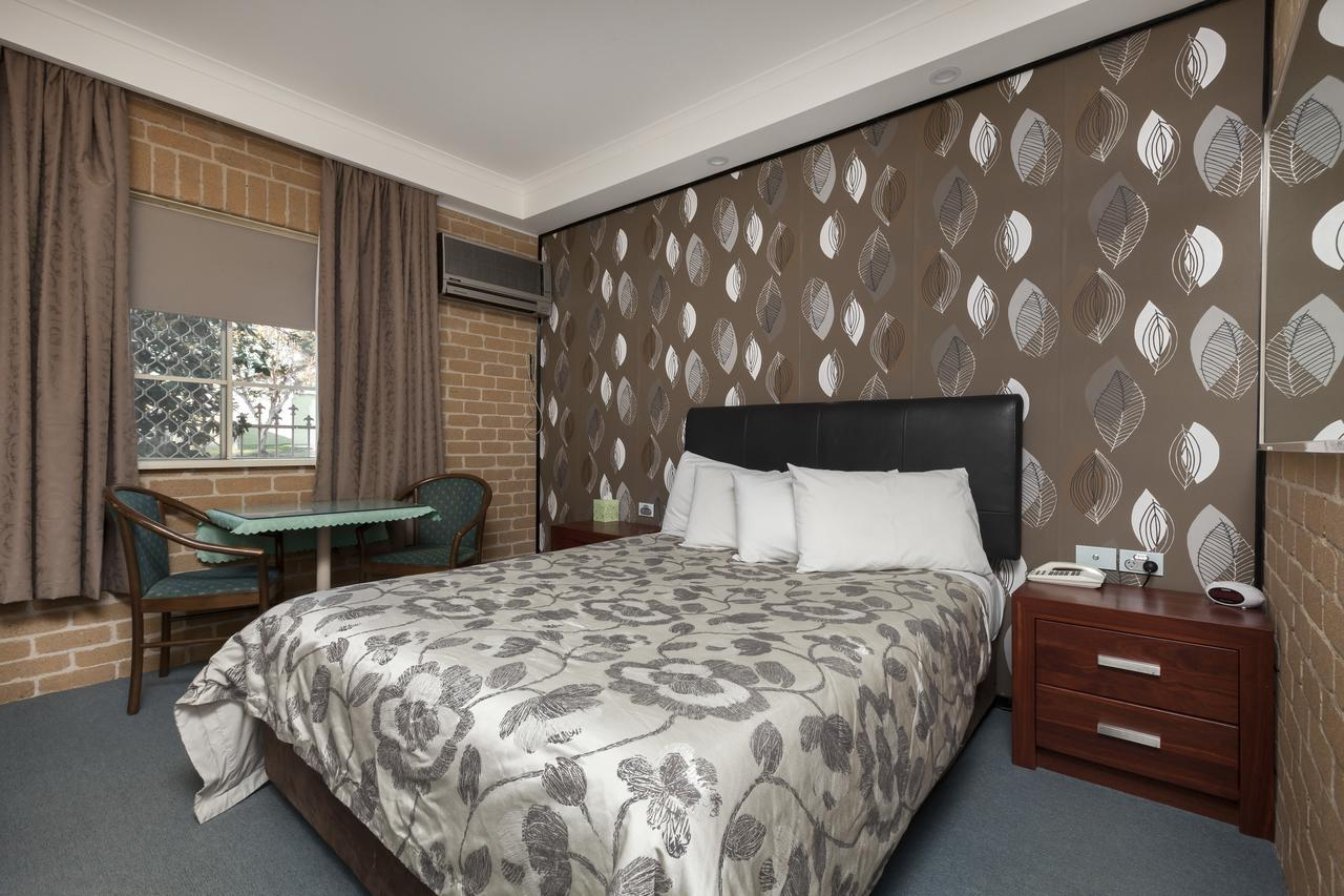 Grand Manor Motor Inn - Tourism Caloundra