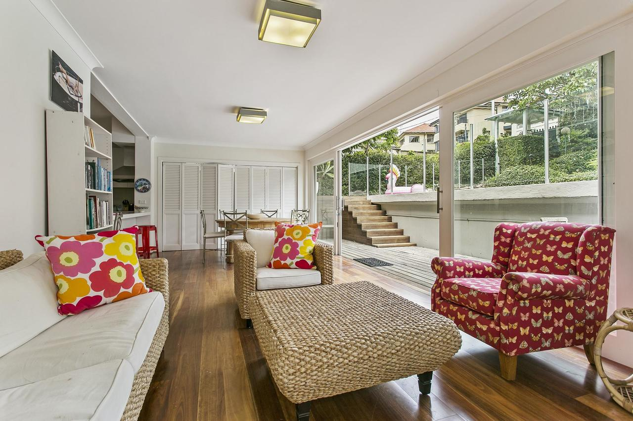 Summery spacious 4 bed home in Kurraba Point - Tourism Caloundra