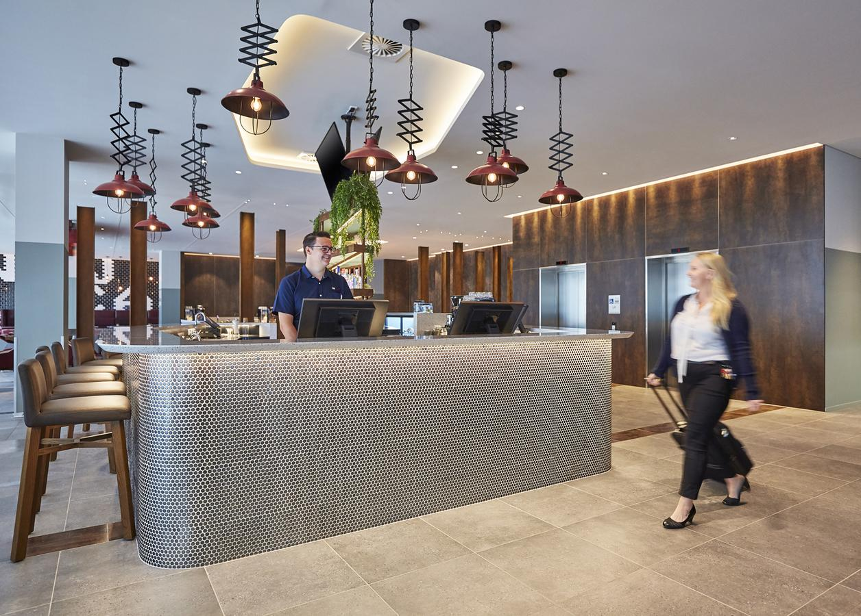Holiday Inn Express Newcastle - Tourism Caloundra