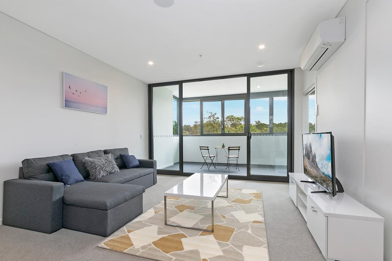 Stylish and Neat two bed apartment in Wentworth Point - Tourism Caloundra