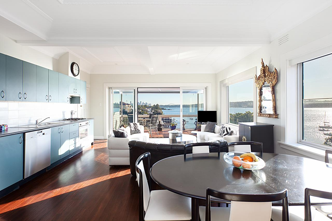 Art Deco Apartment With Breathtaking Water Views - Tourism Caloundra