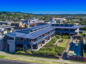 Lennox Holiday Apartments - Tourism Caloundra