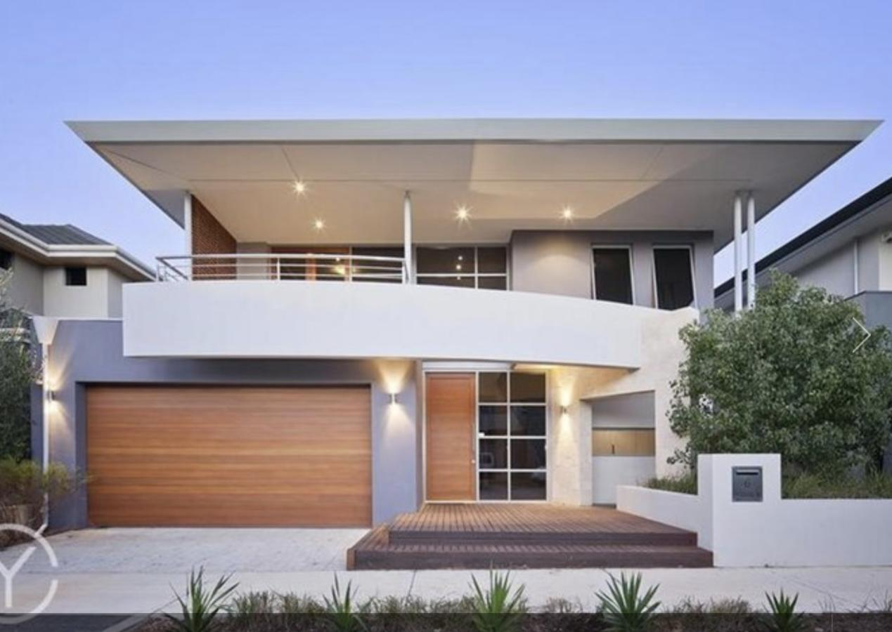 Adele's luxury South Beach apartment with King bed - Tourism Caloundra