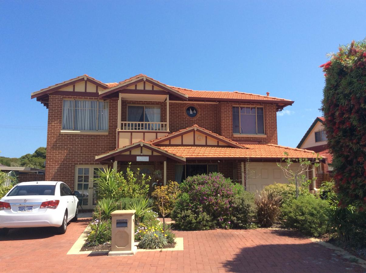 Crossland House - Tourism Caloundra