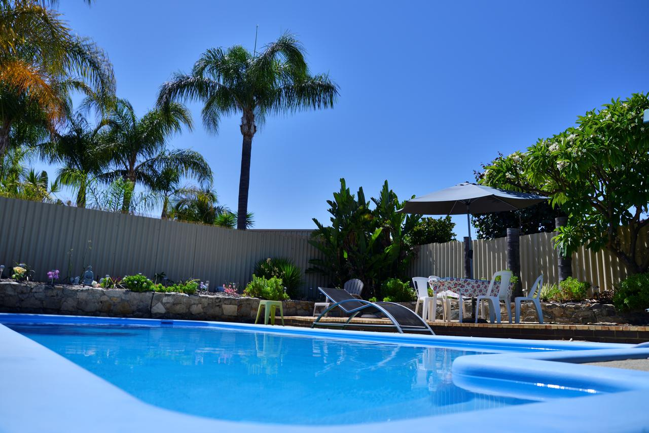 Palms Bed  Breakfast - Tourism Caloundra