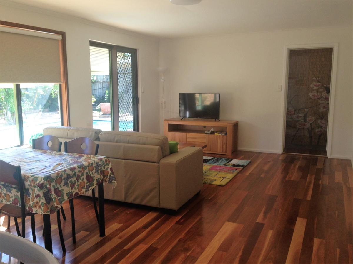 Lemon Tree Lodge - Tourism Caloundra