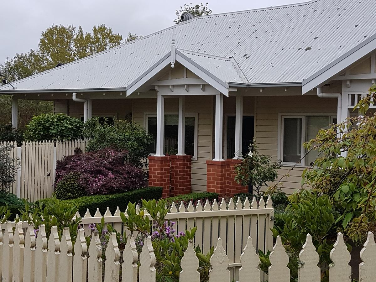 Healesville House - Fig Tree House - Tourism Caloundra