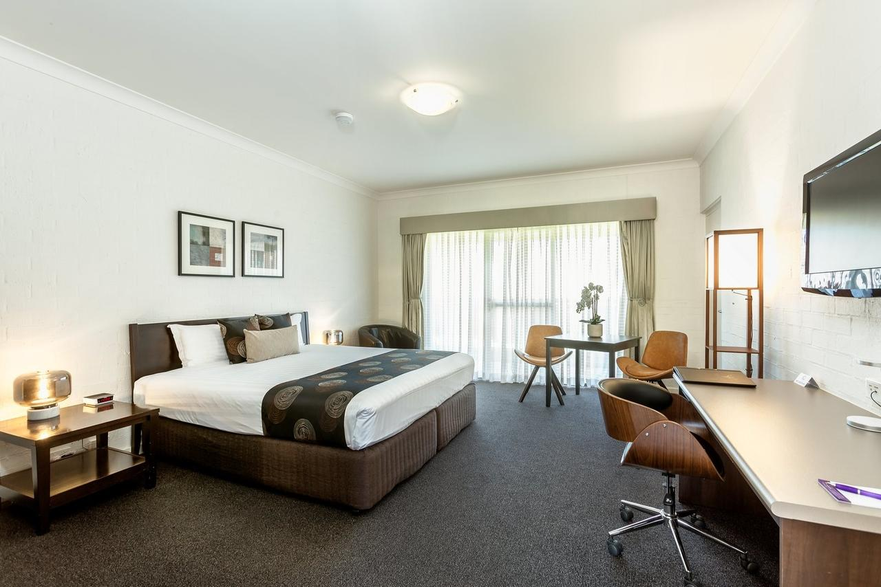 Blazing Stump Motel  Suites - Tourism Caloundra