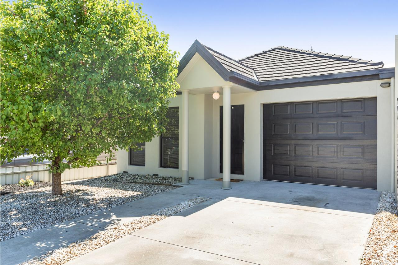 Black Lotus Townhouse - Tourism Caloundra