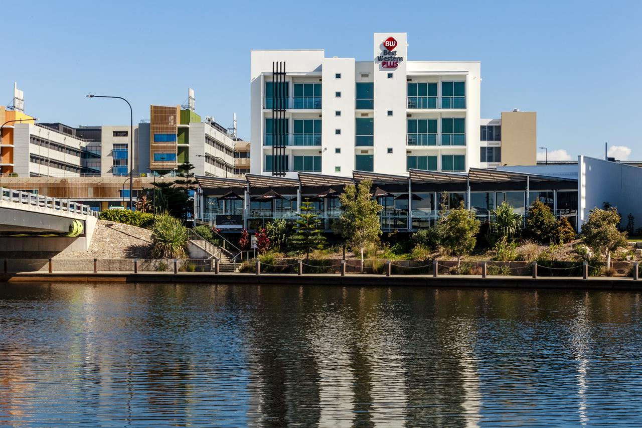 BEST WESTERN PLUS Lake Kawana Hotel - Tourism Caloundra