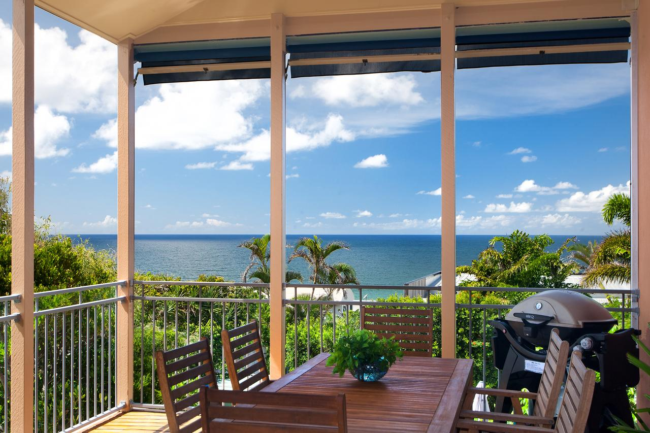 Jolly Roger's Beach House - Tourism Caloundra