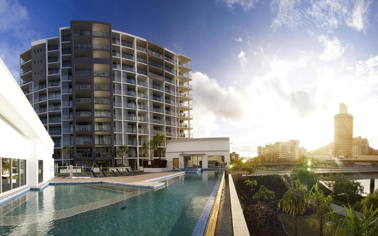 Oaks Gateway Suites - Tourism Caloundra