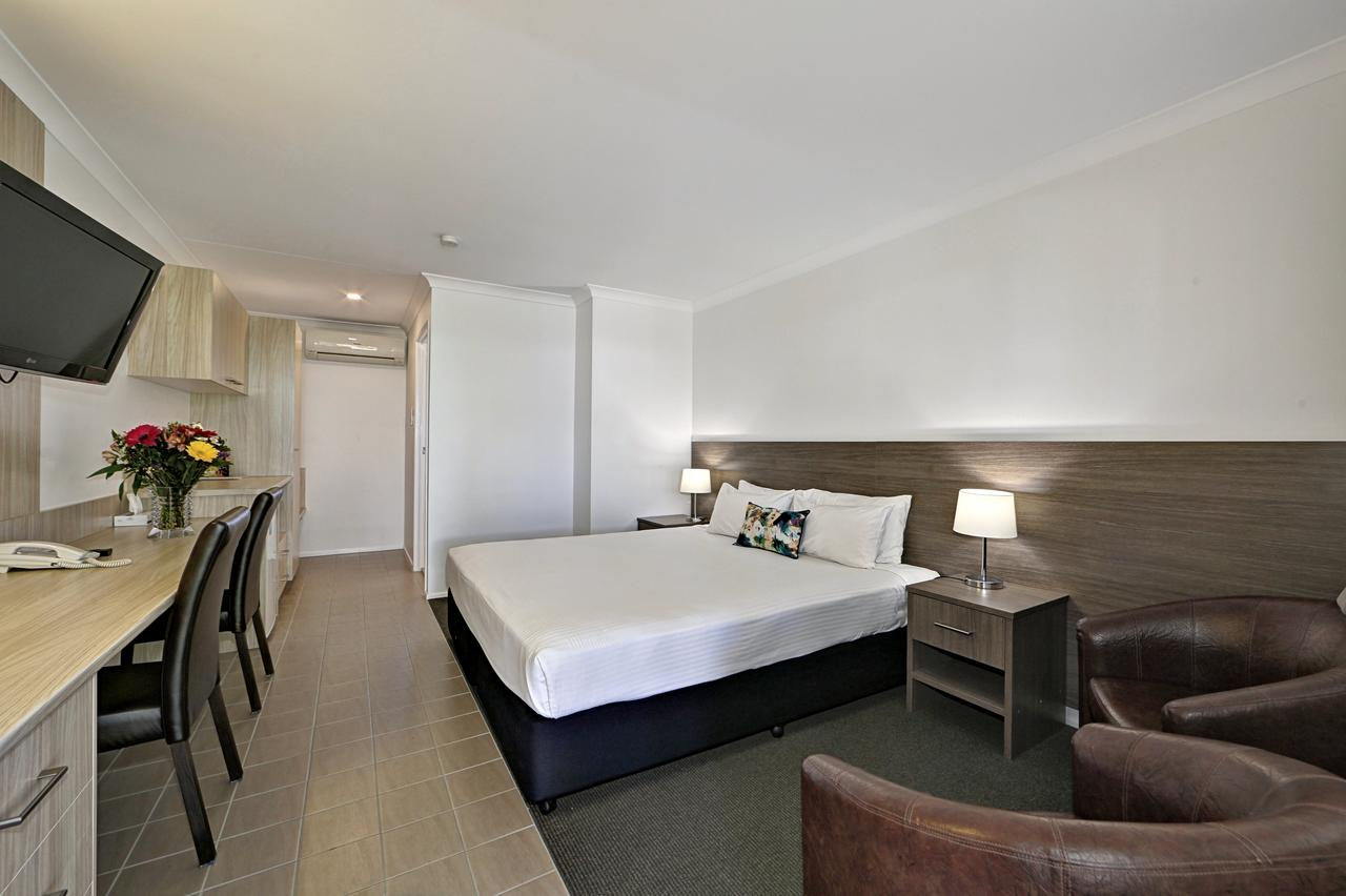 Smart Motels Bert Hinkler - Tourism Caloundra