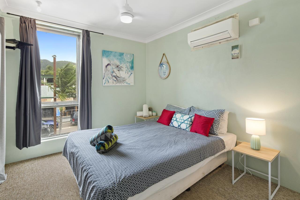 Location 2BR Town View Unit in Centre of Airlie. - Tourism Caloundra